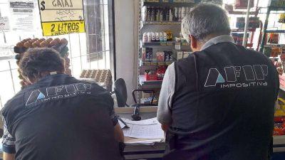 Los sindicatos de AFIP y aduanas denunciaron despidos masivos a personal contratado