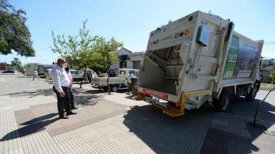Lules: entregaron vehículos recolectores y compactadores de basura