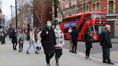 El Reino Unido reconoció que la nueva cepa del coronavirus está