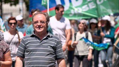 Docentes bonaerenses le piden un bono a Kicillof por la labor social realizada durante la pandemia