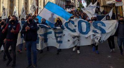 Gastronómicos amenazan con una olla popular frente al Centro Cívico si no hay solución para 3.000 trabajadoras del Paicor