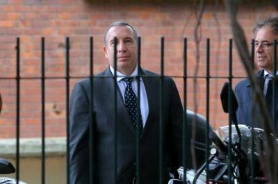 Una visita del polémico Sergio Szpolski a la Casa Rosada dejó interrogantes y malestar en el oficialismo