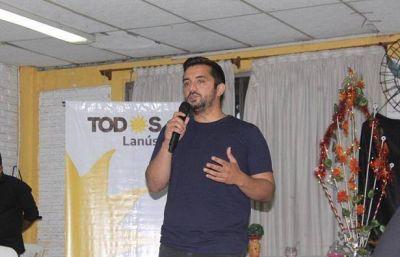 Agustín Balladares en brindis de fin de año con dirigentes políticos, sociales y sindicales del distrito