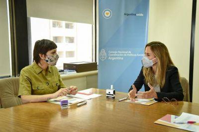 Tolosa Paz y Mayra con agenda de las Naciones Unidas