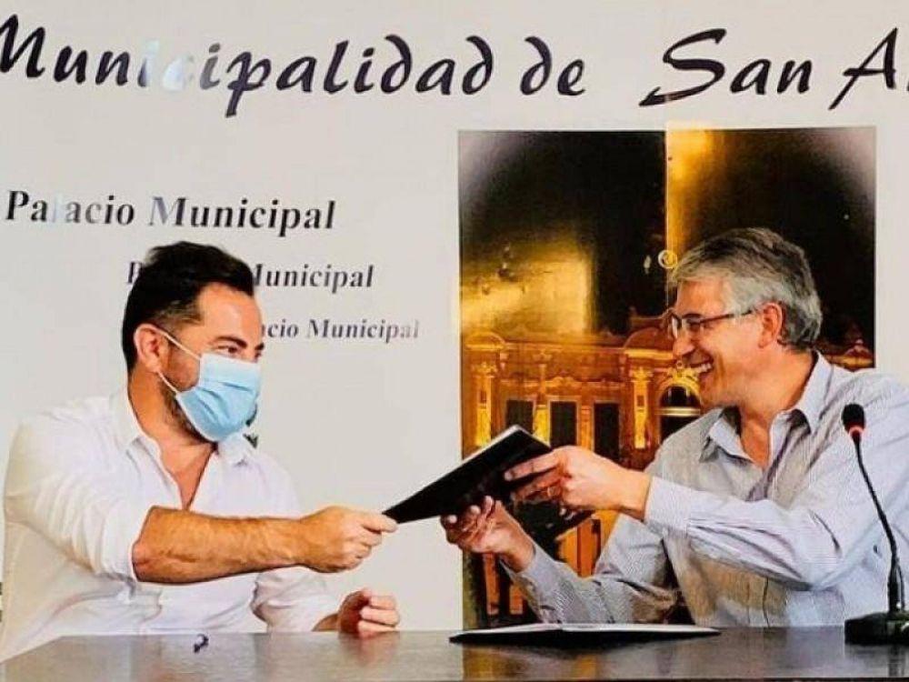 Bonelli firmó convenios con tres intendentes de la Segunda Sección Electoral