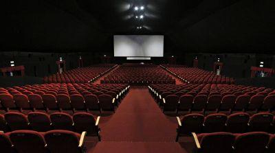 Expectativa en los cines para saber si los habilitan