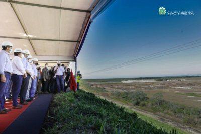 Con el presidente de Paraguay, en Ituzaingó encendieron turbinas e impulsaron Aña Cuá