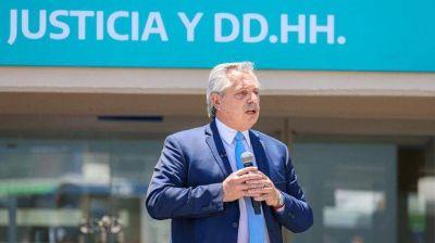 Alberto Fernández habló con Lacalle Pou y analiza restricciones por la nueva cepa