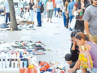 Venta informal: FEBA repudia los ataques a comerciantes y el descontrol sanitario