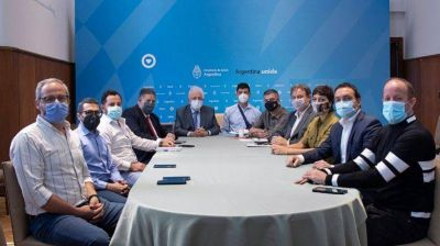 Cascallares e intendentes con Ginés González García para planificar la vacunación