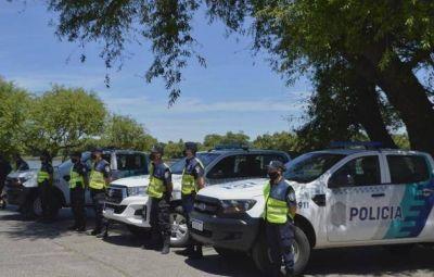 El Intendente Zara presenció la entrega de tres vehículos para el Operativo Sol