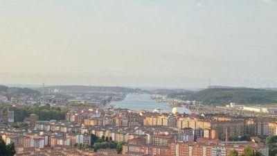 Invertidos casi 36.000 euros en la renovación de 34 papeleras y 72 bancos de varios parques de Avilés