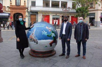 El Ayuntamiento colabora con Disneyland Paris y Ecovidrio para concienciar a las familias en el reciclaje