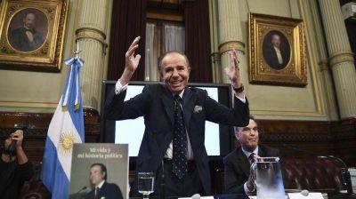 Carlos Menem sigue en estado delicado, pero tuvo una leve mejoría