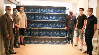 El Municipio de Lanús recibió cajas navideñas de la cámara de supermercadistas chinos