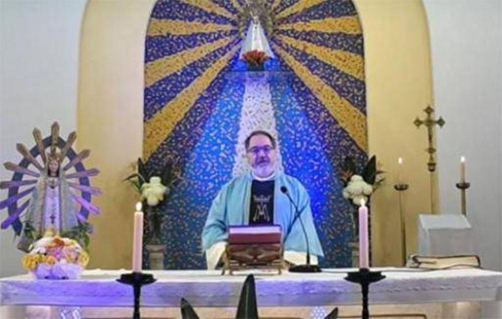 Monseñor López presidió la fiesta de la Sagrada Familia en la Catedral de Avellaneda