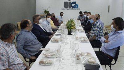 Jalil, Saadi y el equipo de gobierno fueron recibidos por la Unión Industrial
