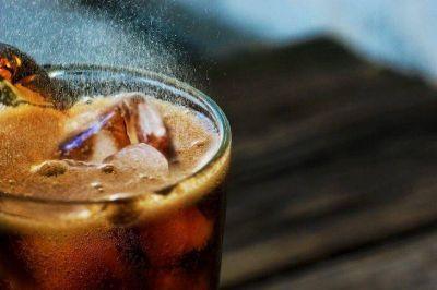 Los sindicatos en contra del aplazamiento de la subida del IVA en bebidas azucaradas