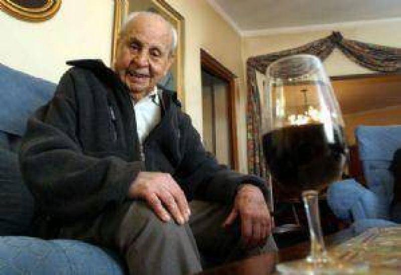 Murió Raúl de la Mota, un visionario de la vitivinicultura
