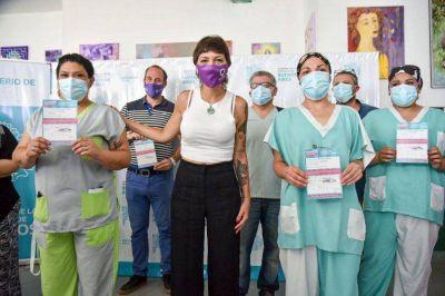 Mayra participó de la histórica primera aplicación de la vacuna en el distrito