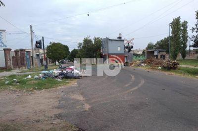 Vecinos indignados con la falta de recolección de basura