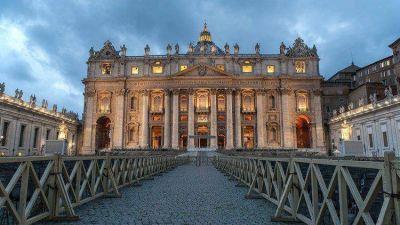 El Papa no preside los ritos de fin y principio de año debido a la ciática