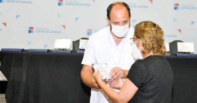 Homenajearon a trabajadores de salud de Lomas fallecidos en pandemia