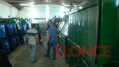 El municipio adquirió 75 contenedores metálicos de residuos
