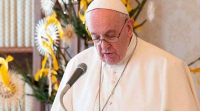 """En Navidad Dios no vino de visita, afirma el Papa, """"vino para vivir con nosotros"""""""
