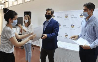 El Intendente entregó decretos de pase a planta permanente