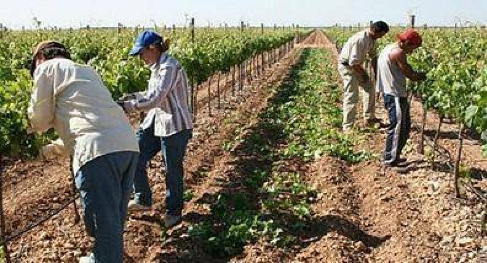 La UATRE busca la dignidad del trabajador rural mientras la Mesa de Enlace pretende sostener la inequidad laboral y social