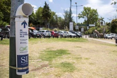 San Isidro instala colilleros para depositar filtros de cigarrillo
