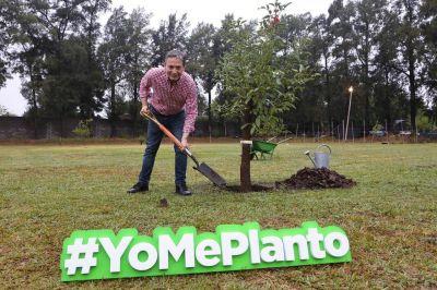 Fernando Gray lanzó programa de forestación