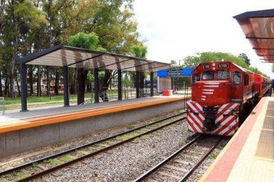 Meoni inaugura la renovada estación ferroviaria Villa Adelina