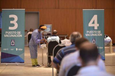 Schiaretti agradeció a los equipos que permitieron completar la vacunación