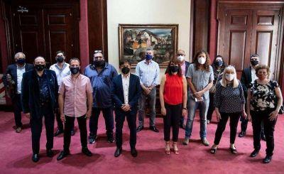 Conflicto en puerta: Kicillof desoyó a los gremios y categorizó estatales a gusto