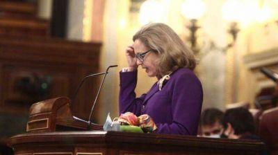 Calviño anuncia que España emitirá menos deuda de la prevista por la recaudación de impuestos