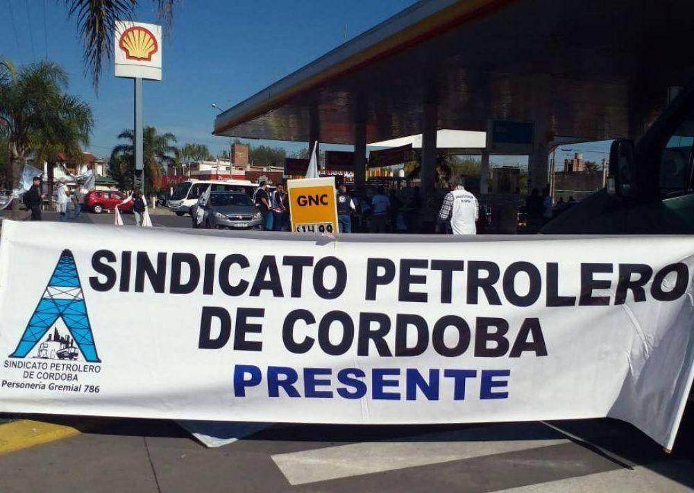 Córdoba: Protesta por despidos en la YPF Villafuel de Carlos Paz