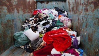Medio Ambiente recuerda la necesidad de incrementar la reutilización y reciclaje de residuos textiles