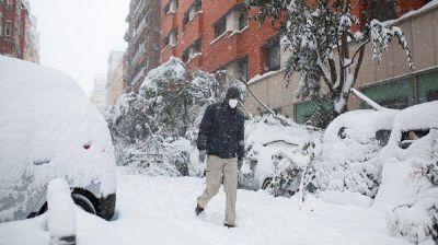 España: alerta roja por la peor nevada en 50 años