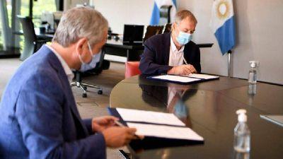 Schiaretti firmó con la Nación acuerdos para construir viviendas