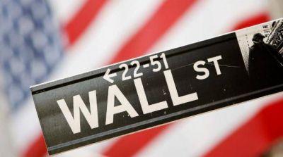 Wall Street cerró la primera semana de 2021 con récords pese a tensión política