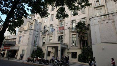 Coronavirus: un juez ordenó a un sanatorio privado darle dióxido de cloro a un paciente