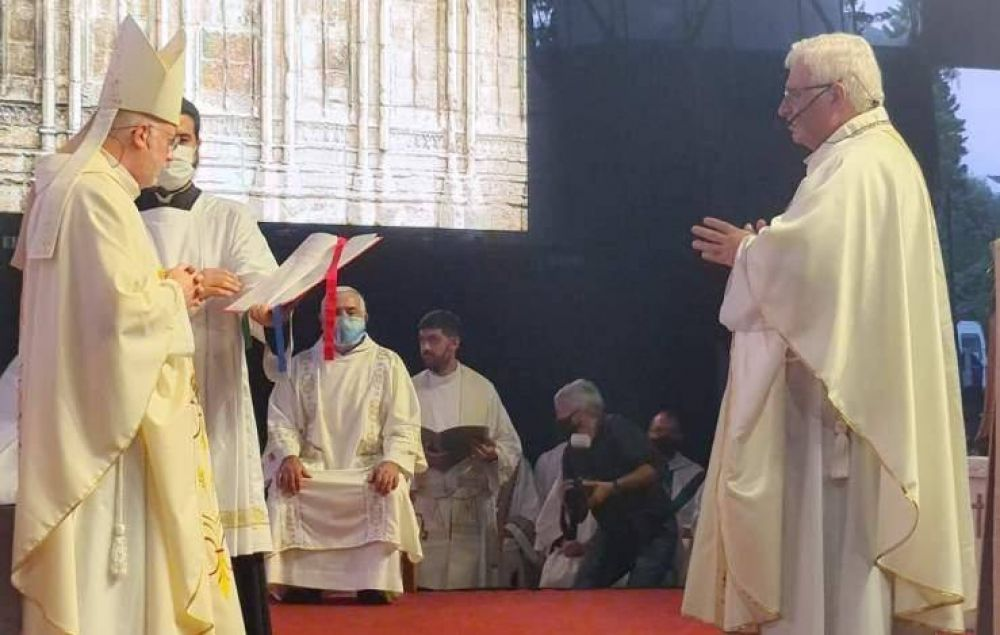 Abella acompañó la Ceremonia de Ordenación de Monseñor Justo Rodríguez Gallego