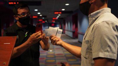 Destacan el cumplimiento de los protocolos en la reapertura de los cines