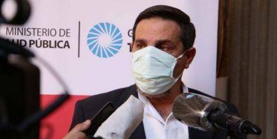Medina Ruiz y la aplicación de una dosis de Sputnik V: