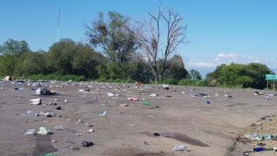 Limpiaron la basura que dejó la fiesta ilegal en las «100 curvas»