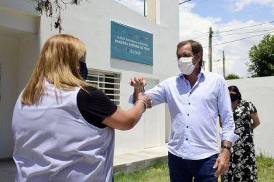 """Garro entregó las llaves del nuevo edificio del Jardín Maternal """"Nuestra Señora de Itatí"""""""