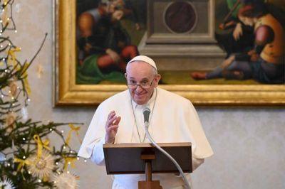 Papa Francisco: ¿En las dificultades de la vida alabas a Dios o te quejas?