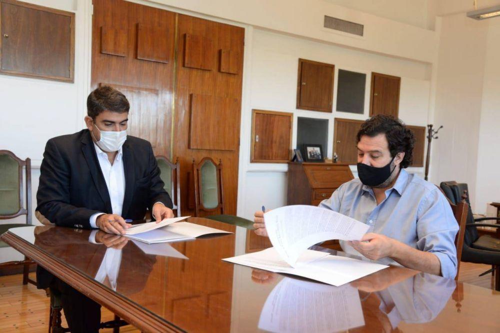 Gobierno y UNLPam buscan fortalecer a las cooperativas
